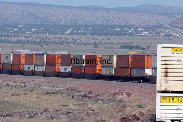 BNSF2012051215 = BNSF, Seligman, AZ, 5/2012