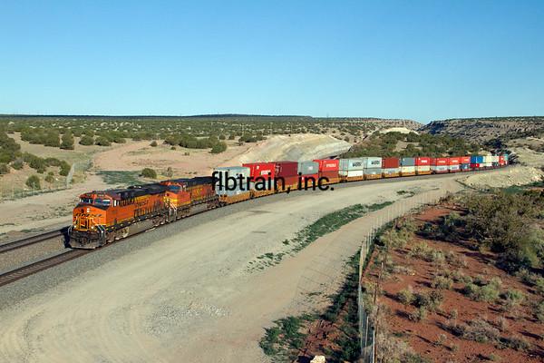 BNSF2012051802 - BNSF, Abo Canyon, NM, 5/2012