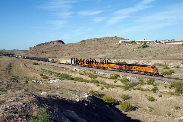 BNSF2012050396 - BNSF, Kingman, AZ, 5/2012