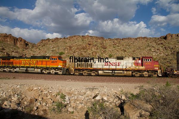 BNSF2012050813 - BNSF, Kingman, AZ, 5/2012