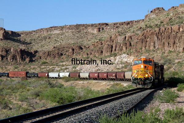 BNSF2012051004 - BNSF, Kingman, AZ, 5/2012