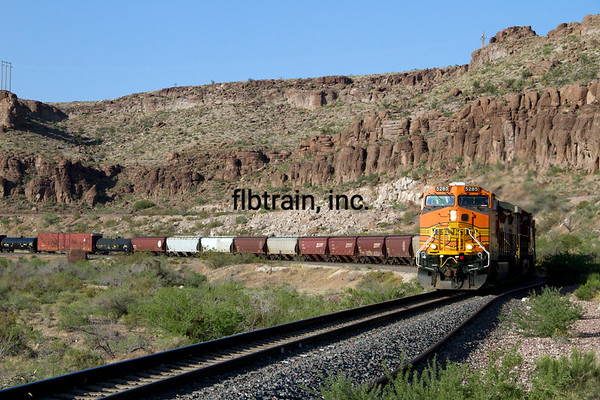 BNSF2012051005 - BNSF, Kingman, AZ, 5/2012