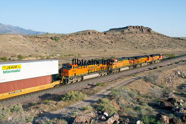 BNSF2012050460 - BNSF, Kingman, AZ, 5/2012