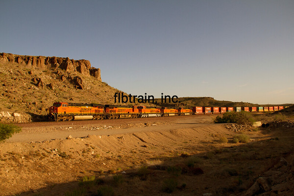 BNSF2012050512 - BNSF, Kingman, AZ, 5/2012