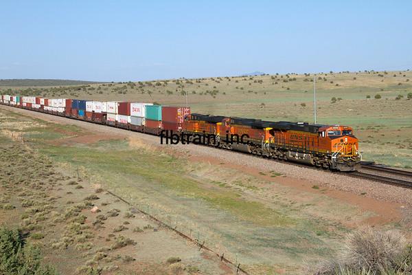BNSF2012051472 - BNSF, Crookton Overpass, AZ, 5/2012