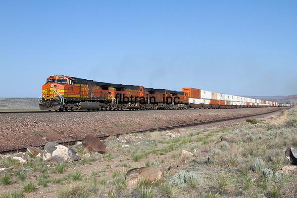 BNSF2012051152 - BNSF, Seligman, AZ, 5/2012
