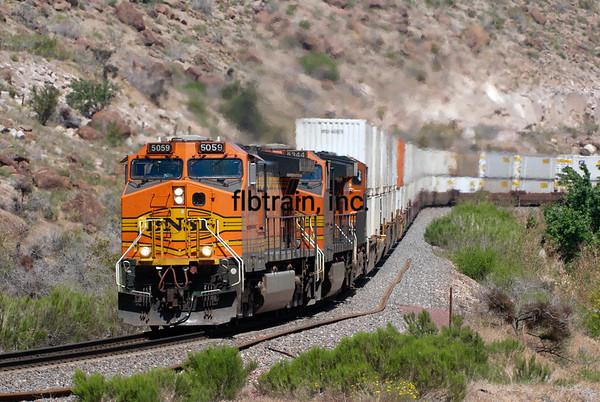 BNSF2012050784 - BNSF, Kingman, AZ, 5/2012
