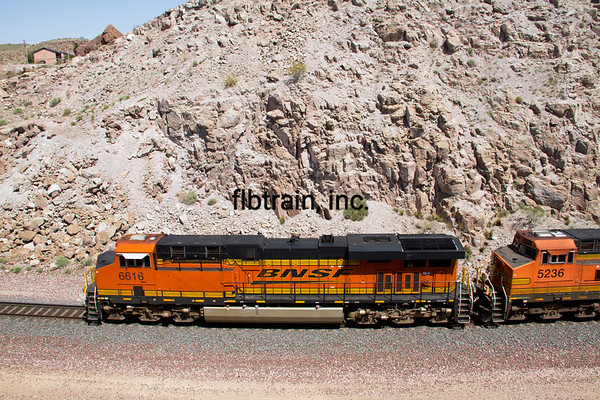 BNSF2012050732 - BNSF, Kingman, AZ, 5/2012