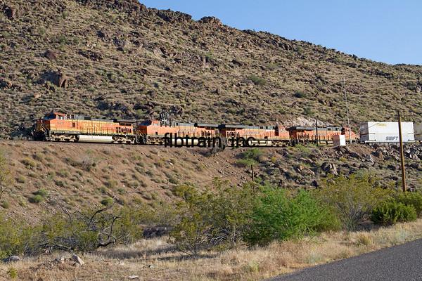 BNSF2012051021 - BNSF, Kingman, AZ, 5/2012