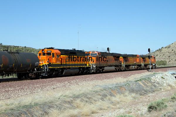 BNSF2012051412 - BNSF, Peach Springs, AZ, 5/2012