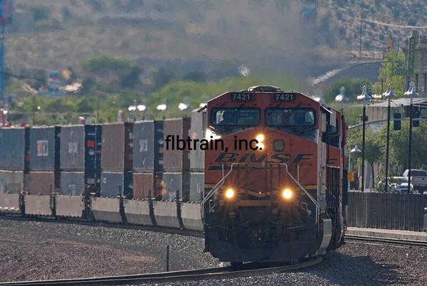BNSF2012050596 - BNSF, Kingman, AZ, 5/2012