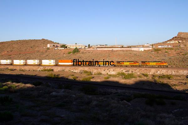 BNSF2012050210 - BNSF, Kingman, AZ, 5/2012