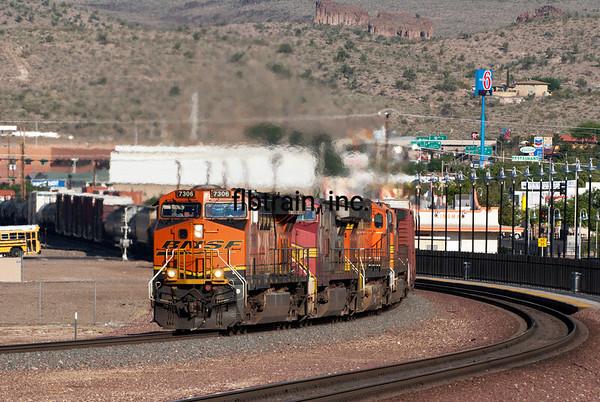 BNSF2012050676 -  BNSF, Kingman, AZ, 5/2012