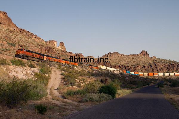 BNSF2012050921 - BNSF, Kingman, AZ, 5/2012