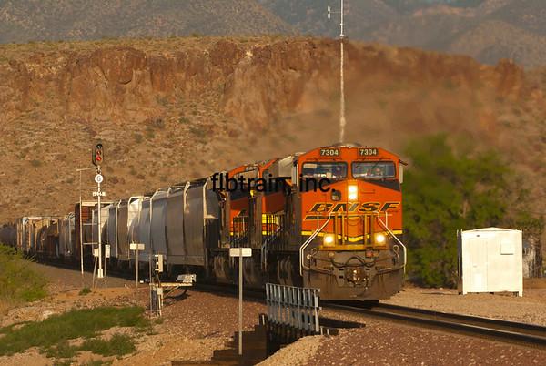 BNSF2012050837 - BNSF, Kingman, AZ, 5/2012