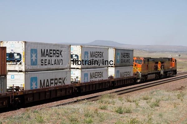 BNSF2012051262 - BNSF, Seligman, AZ, 5/2012