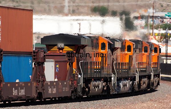 BNSF2012050558 - BNSF, Kingman, AZ, 5/2012