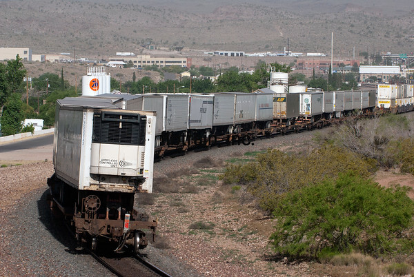 BNSF2012050914 - BNSF, Kingman, AZ, 5/2012