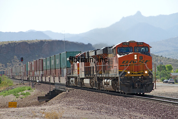 BNSF2012050531 - BNSF, Kingman, AZ, 5/2012