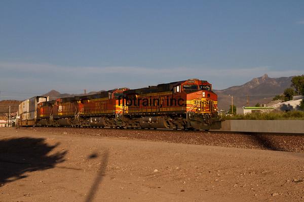 BNSF2012050191 - BNSF, Kingman, AZ, 5/2012