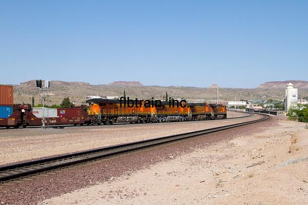 BNSF2012050554 - BNSF, Kingman, AZ, 5/2012
