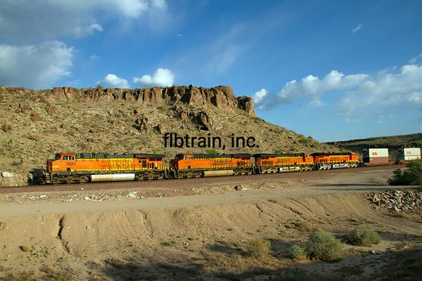 BNSF2012050824 - BNSF, Kingman, AZ, 5/2012