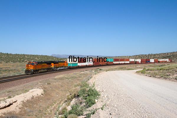 BNSF2012051404 - BNSF, Peach Springs, AZ, 5/2012