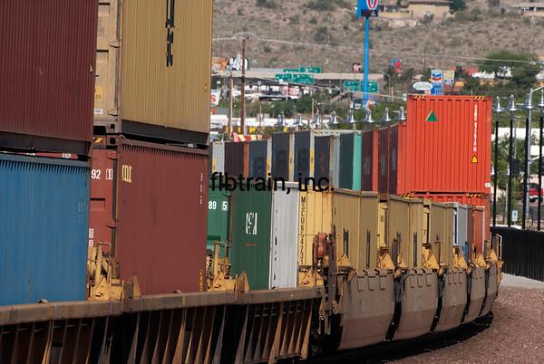 BNSF2012050535 - BNSF, Kingman, AZ, 5/2012