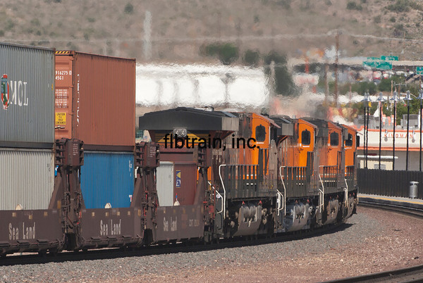 BNSF2012050560 - BNSF, Kingman, AZ, 5/2012