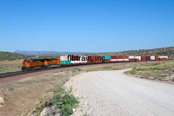 BNSF2012051403 - BNSF, Peach Springs, AZ, 5/2012