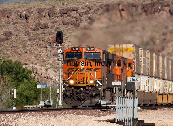 BNSF2012050601 -  BNSF, Kingman, AZ, 5/2012
