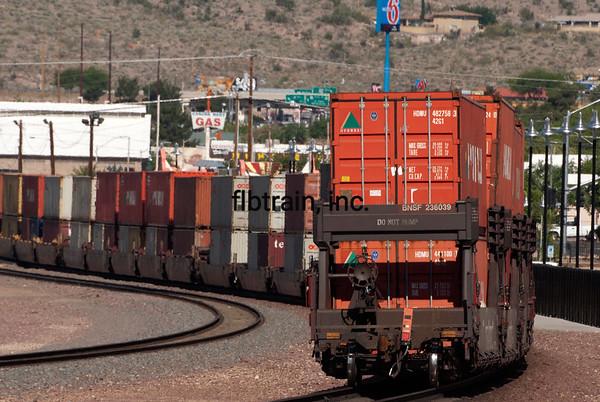 BNSF2012050537 - BNSF, Kingman, AZ, 5/2012