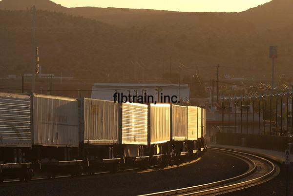 BNSF2012050863 - BNSF, Kingman, AZ, 5/2012