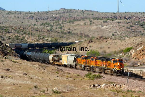 BNSF2012050387 - BNSF, Kingman, AZ, 5/2012