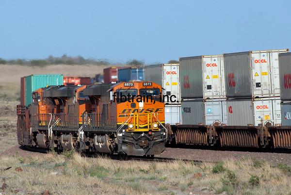 BNSF2012051285 - BNSF, Seligman, AZ, 5/2012