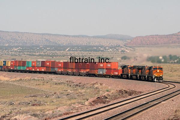 BNSF2012051242 - BNSF, Seligman, AZ, 5/2012