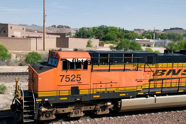 BNSF2012051050 - BNSF, Kingman, AZ, 5/2012