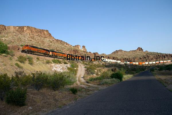 BNSF2012050924 - BNSF, Kingman, AZ, 5/2012