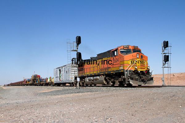 BNSF2012051564 - BNSF, East Adamana, AZ, 5/2012