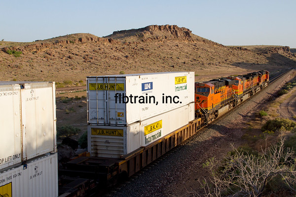 BNSF2012050491 - BNSF, Kingman, AZ, 5/2012