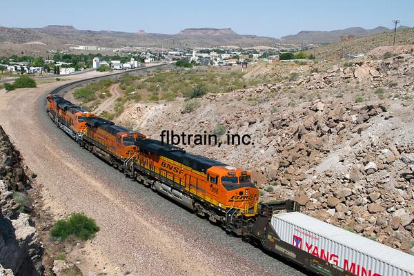 BNSF2012050716 - BNSF, Kingman, AZ, 5/2012