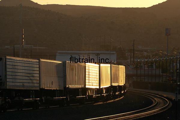 BNSF2012050861 - BNSF, Kingman, AZ, 5/2012