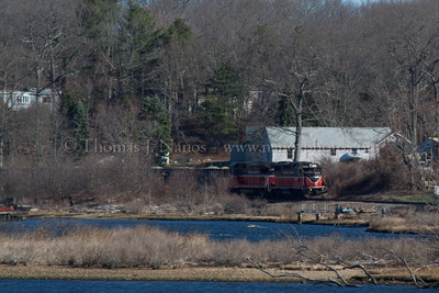 Happyland NR-2 Providence & Worcester train NR-2 rolls south along the Thames River through the Happyland section of Preston, CT