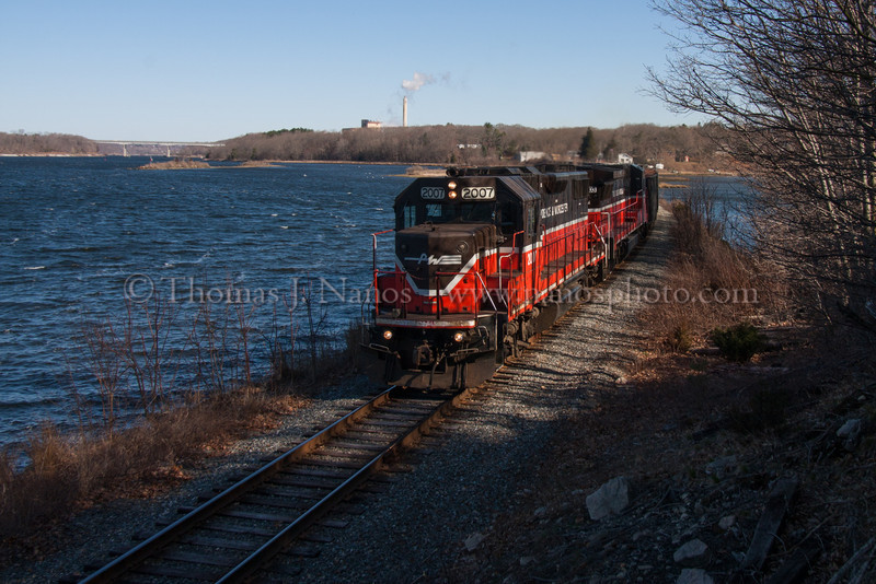 NR-2 on the Thames Providence & Worcester train NR-2 southbound along the Thames River in Ledyard, CT