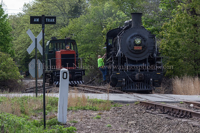 P&W Conductor Bob gets on the Valley Railroad's No 3025 preparing to turn the locomotive on the wye in Old Saybrook