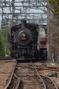 P&W NR-2 pulls Valley Railroad 3025 down Track 3 in Old Saybrook