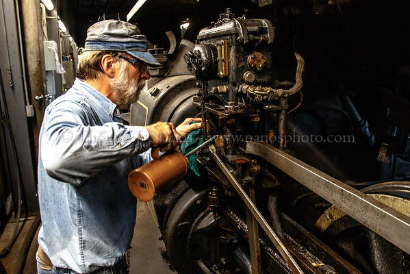 Bill F. adding oil to No. 40s running gear