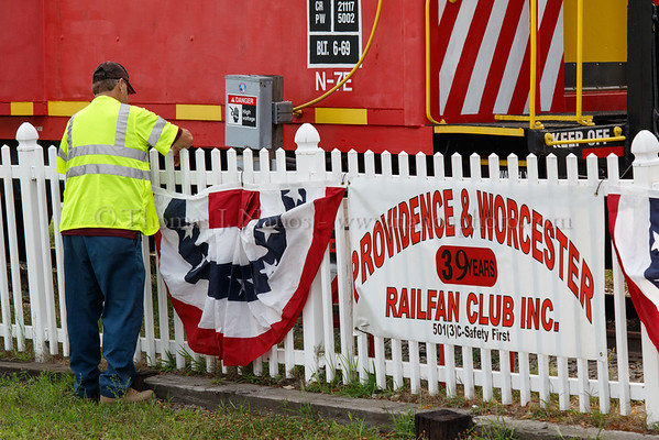 Bill R. of the Providence & Worcester Railfan Club gets things ready before the speeder group