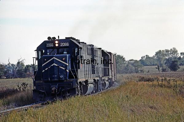 MP1976109881 - Missouri Pacific, Overbrook, KS, 10/1976