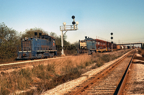 MP1975119215 - Missouri Pacific, Houston, TX, 11/1975
